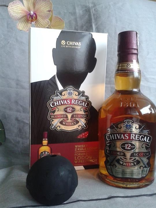Chivas Regal 12YO z formą do lodu #ChivasRegalPolska https://www.facebook.com/photo.php?fbid=850050545011084&set=o.145945315936&type=3&src=https%3A%2F%2Ffbcdn-sphotos-b-a.akamaihd.net%2Fhphotos-ak-prn2%2Ft31.0-8%2F1781111_850050545011084_3848935454129772288_o.jpg&smallsrc=https%3A%2F%2Ffbcdn-sphotos-b-a.akamaihd.net%2Fhphotos-ak-prn2%2Ft1.0-9%2F1613936_850050545011084_3848935454129772288_n.jpg&size=1536%2C2048