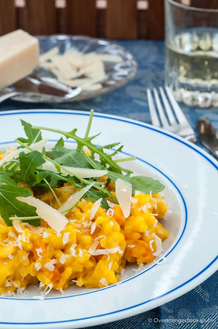 Pompoenrisotto - Zacht en voedzaam gerecht, geïnspireerd op de pompoenrisotto die ik ooit bij Gordon Rasmsay in Maze Praag heb gegeten. Puur comfortfood.
