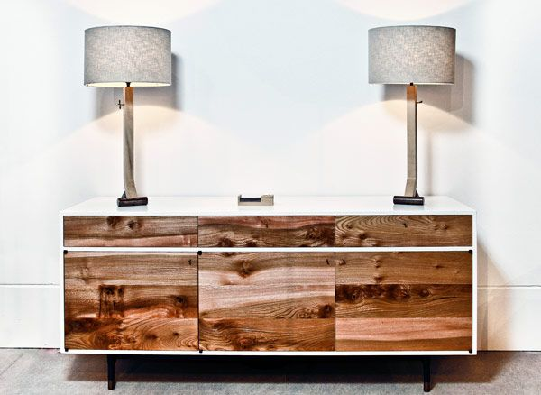 Totally in love with this look! Modern/rustic?  Think I'll give it a DIY try...