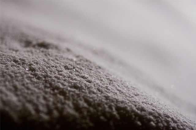 snow | Snow in close-up (Canon EOS 50D + Sigma 85mm large-ap… | Flickr