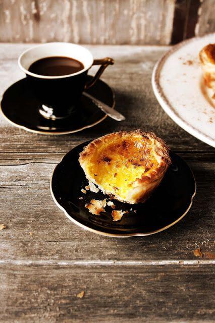 Pratos e Travessas: Pastéis de nata # Portuguese custard tarts | Food, photography and stories