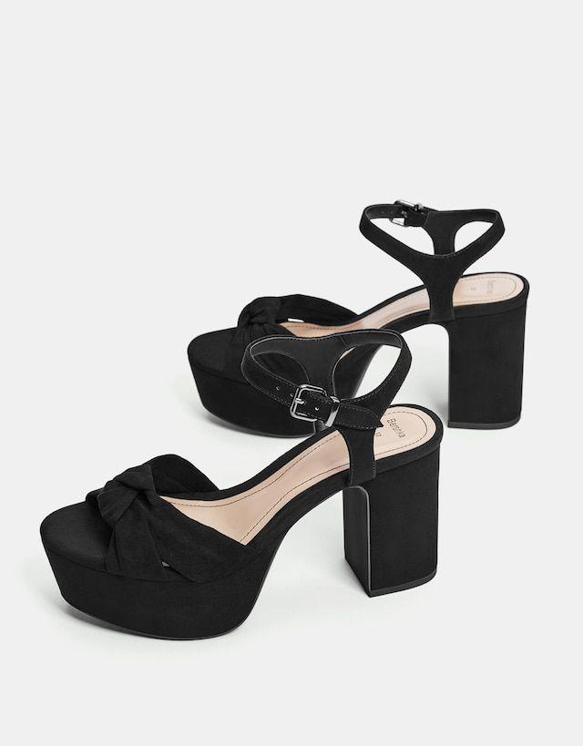 156acad9feff Sandália com tacão tipo plataforma Black Sandals