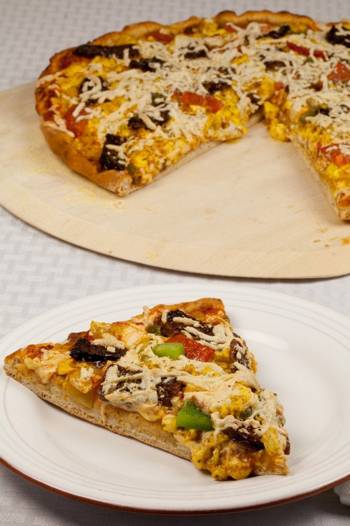 Vegan Breakfast Pizza! Yes, it is totally socially acceptable to eat pizza for breakfast. Not to mention delicious.