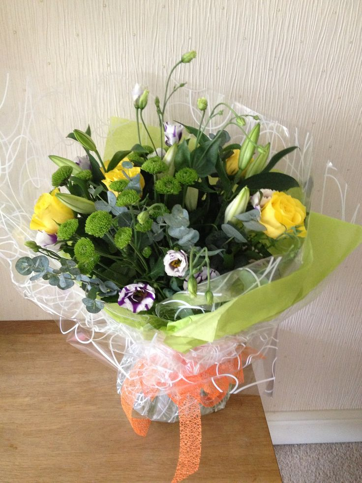 Bright and sunny handtied