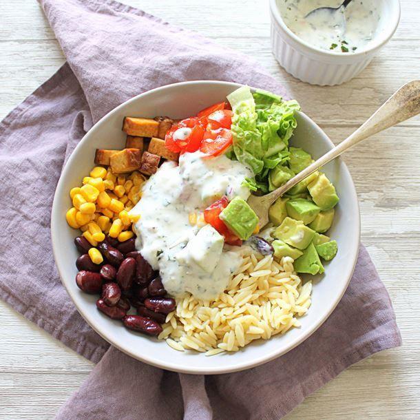 Burrito bowl : plat équilibré tex-mex au riz ou quinoa, légumes et protéines