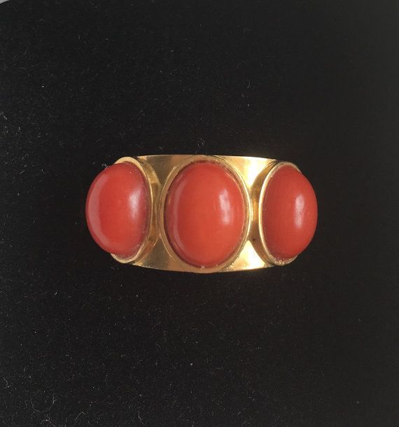 Vintage Italian Gold and Coral Band Ring by DuVenay on Etsy