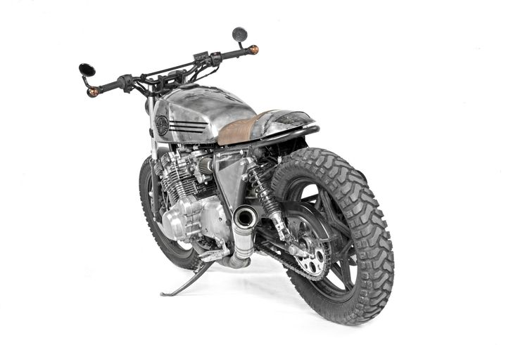 Suzuki GSX 750 E Scrambler by Landesign Garage