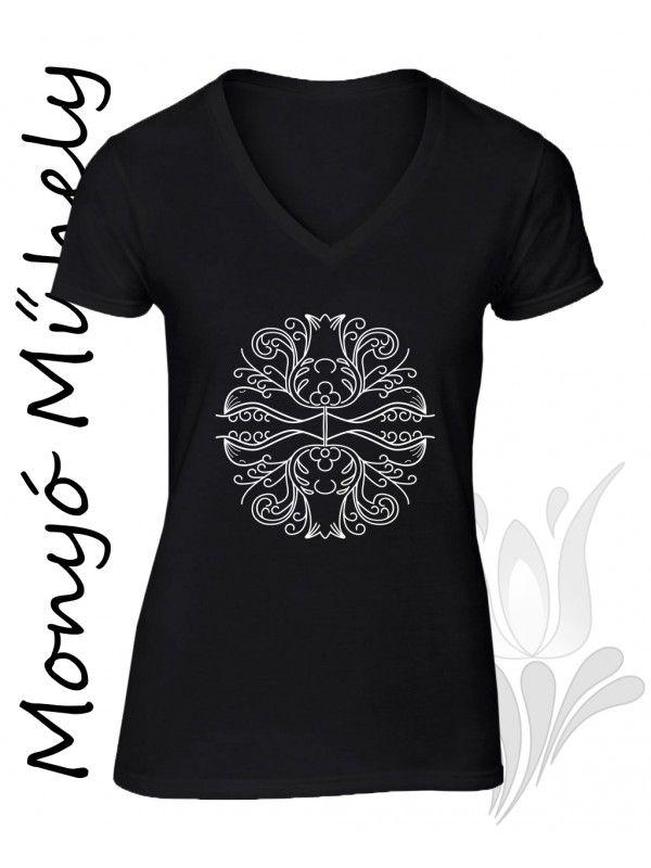 Mezőcsáti mintás női póló - fekete