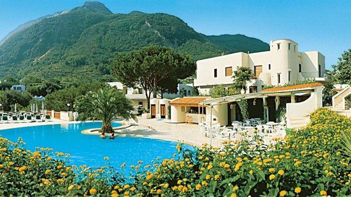 Lacco Ameno. Resort Grazia Terme & Wellness Vista mozzafiato sul mare, circondato da un bellissimo parco con due piscine termali. Questo resort vi accoglierá per una vacanza rilassante e rigenerante che vi fará ritrovare le energie per affrontare al meglio la stressante routine quotidiana. #hotel #terme #natura #benessere #relax #terme https://www.spadreams.it/offerte/italia/ischia/lacco-ameno/resort-grazia-terme-wellness/