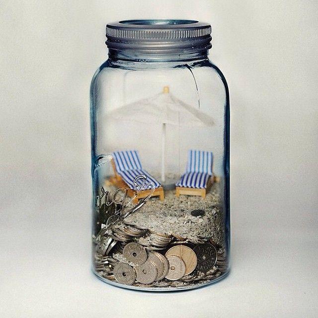"""""""Liker du å reise, men synes det er vanskelig å spare penger? Putt alt du har av vekslepenger på #norgesglasset og start i dag! ✈️(I et 0,4 liters…"""""""