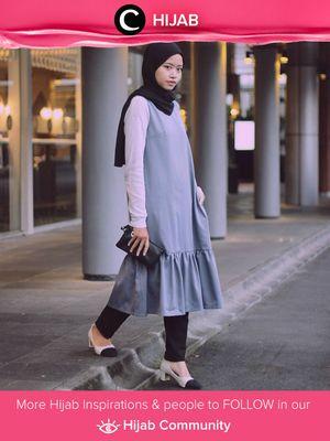 Wearing tunic dress and slim jeans. Very comfortable and casual style for hijabers. Simak inspirasi gaya Hijab dari para Clozetters hari ini di Hijab Community. Image shared by Clozetter: @liaardiatami. Yuk, share juga gaya hijab andalan kamu