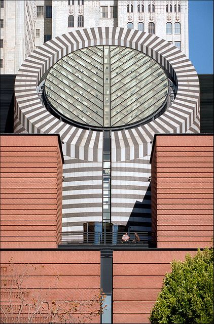 Museum of Modern Art. San Francisco, California. 1995. Mario Botta