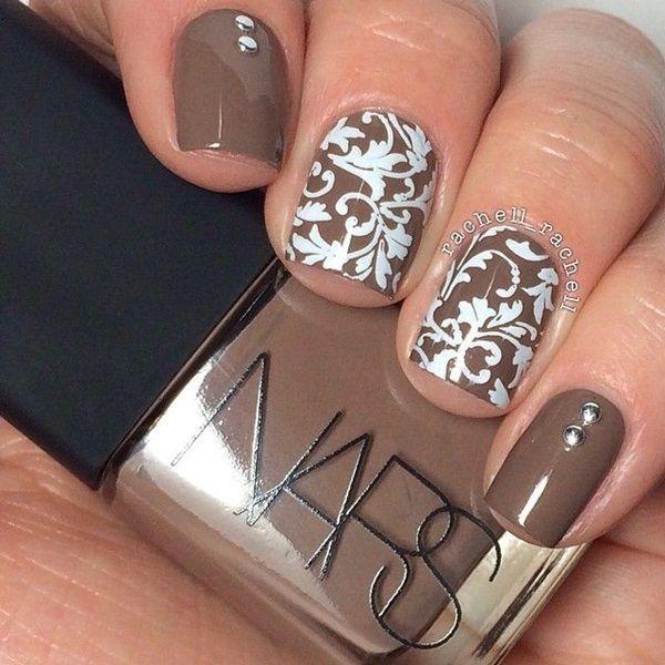 Braun & white nail design. Autumn style.