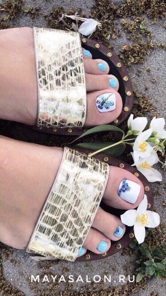 Ухоженные ножки, летнее настроение, что ещё нужно для тёплого лета 😊🌸  Работа мастера Юли Кавлюгиной.  Запись по телефону: ☎ +7 978 861 48 04 Онлайн-запись: http://arn.su/1h0 ____________ ▶#работы_mayasalon ◀#салонкрасотымайя #салонкрасотысимферополь #педикюр #mayasalon #шеллак #салонкрасоты #педикюрсимферополь #дизайнногтей #педикюр #crimeaphoto #педикюр2017 #педикюрфото #красота #девочкитакиедевочки #крым #стилист #подарочныйсертификат #instanails #парафинотерапия #nails…