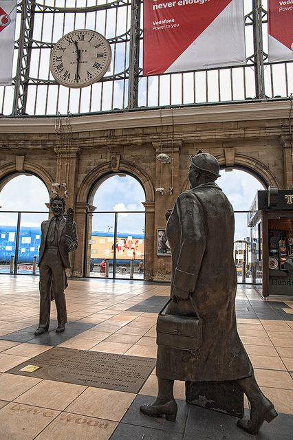 Ken Dodd Bessie Braddock Statues, Lime Street Station, Liverpool | Flickr - Photo Sharing!