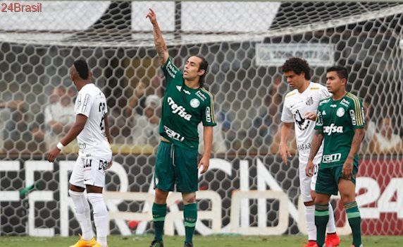 Para o meio do ano: Dorival insiste e Santos negocia com Valdivia, ex-Palmeiras