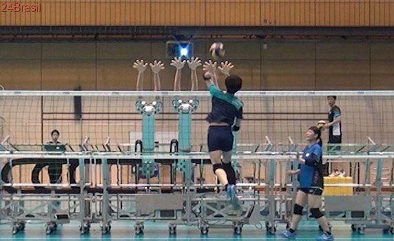 Japoneses começam a utilizar robôs em treino de voleibol