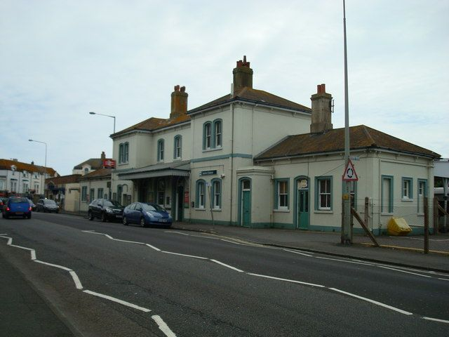Seaford Railway Station (SEF) in Seaford, East Sussex