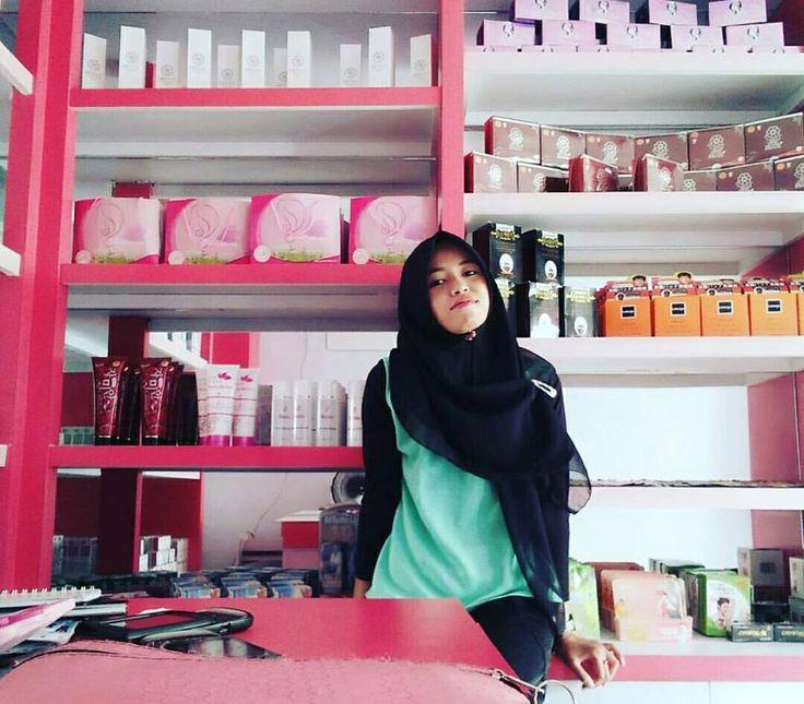Cream Pemutih Wajah di Toko Kosmetik