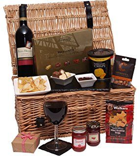 """The Luxury Gift Hamper - Food Hampers & Gourmet Gift Baskets - Food and Wine Hamper - Packed in a Large 17"""" Traditional Wicker Basket"""