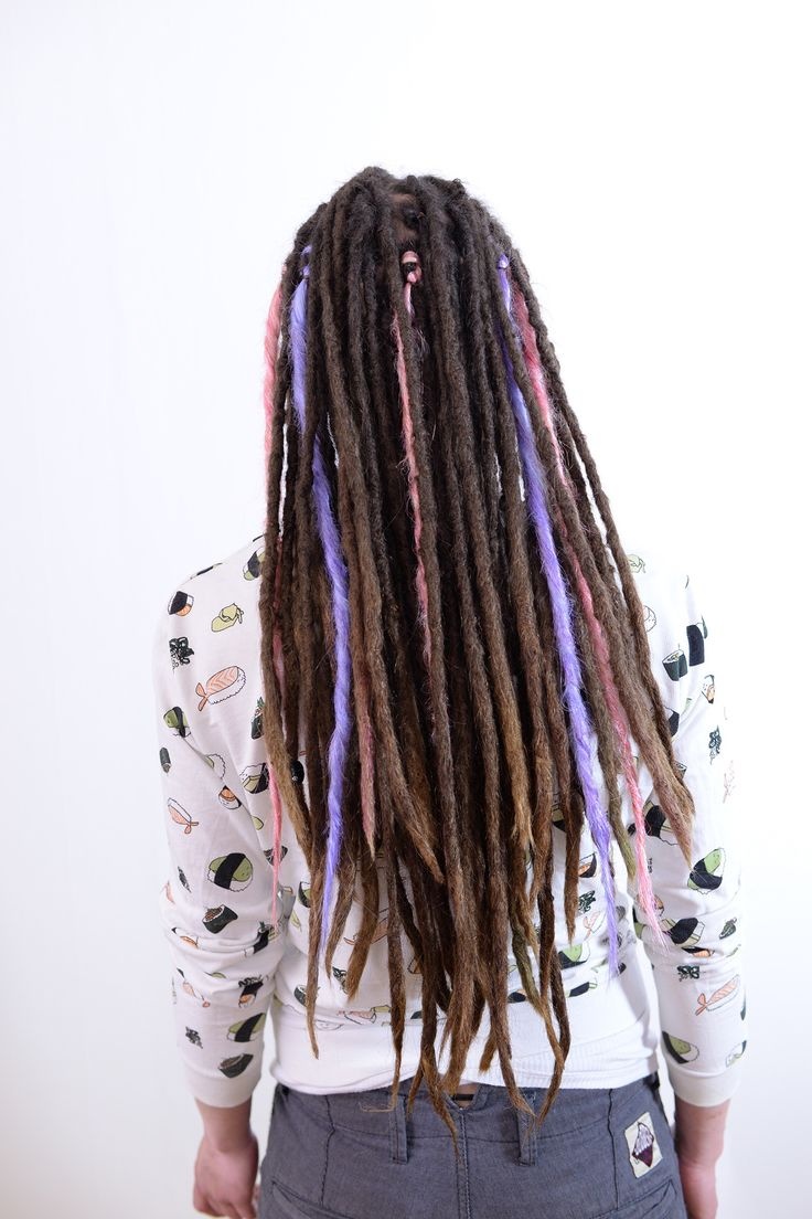 Are you tired of the colour of your dreadlocks? A fun way to add color to your dreadlocks is to add a few synthetic dreads to change your look a bit!
