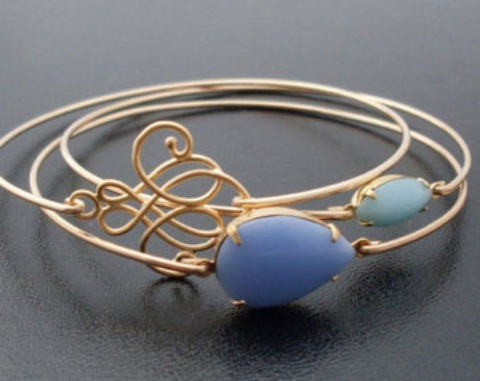 Cielos azules adelante brazalete pulsera, oro, pila pulsera conjunto, pulsera turquesa, joyería de piedra azul, cielo azul, azul & oro pulsera