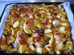 Kuchnia z widokiem na ogród: Kurczak pieczony z ziemniakami z piekarnika. Szybkie danie 2w1.