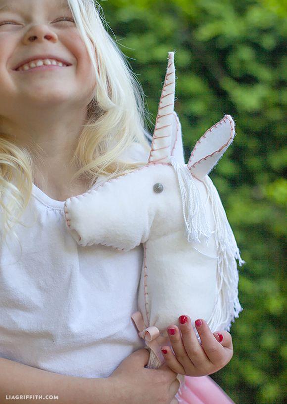 DIY : licorne en feutrine - unicorn - chambre enfant - kids - decoration