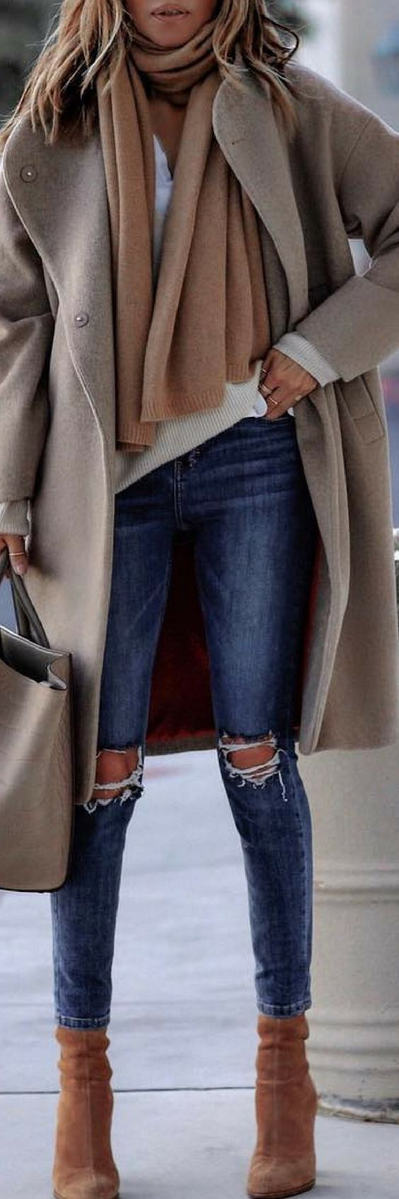 How To Style 10 Of The Most Remarkable Christmas Outfits https://ecstasymodels.blog/2017/11/22/style-10-remarkable-christmas-outfits/