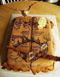 Bizcocho temático Harry Potter el mapa de los merodeadores.