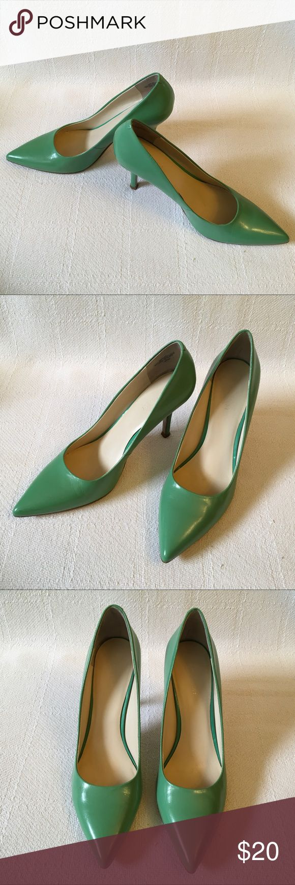 🆕Listing! Nine West heels Pretty green heels by Nine West. Preloved and in great condition. Minor scuff which can be seen in last pic. Nine West Shoes Heels