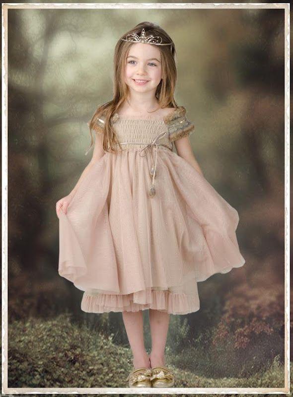 Olen edelleen rakastunut Luna Luna mekkoihin <3  Luna Luna Copenhagenin  suunnittelija on Kaliforniassa asuva tanskalainen Heidi Maria Sch...