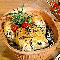 Kylling i leirgryte med urter og 40 hvitløkfedd