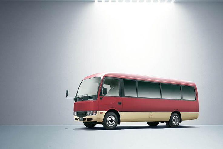 Bus Rosa   FUSO   Los 32 pasajeros y el conductor disfrutarán por igual del confort interior del Rosa, amplio y silencioso.