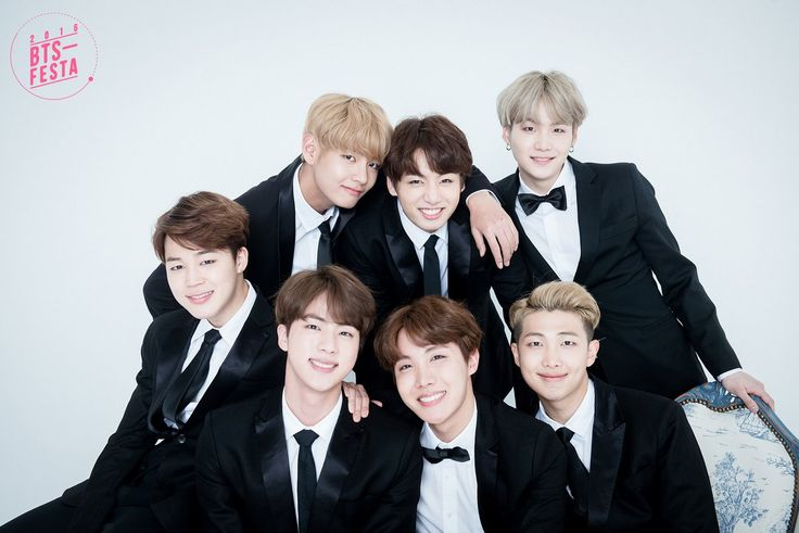 [#BTSFESTA2016] #방탄소년단 3rd Anniversary  가족사진 'Real Family Picture' (1/2)