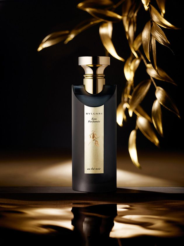 Bvlgari Eau Parfumee au The Noir The composition is signed by perfumer Jacques Cavallier. The scent is elegant, deep and oriental. It contains accords of black tea, Damascus rose, tobacco, leather, oud, wood bark and patchouli.