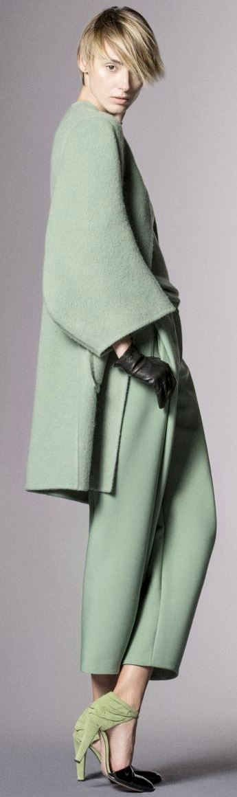 Giorgio Armani Pre-Fall 2014 v - Mode prêt à porter - Haute couture - Giorgio Armani - monochromatic mint green
