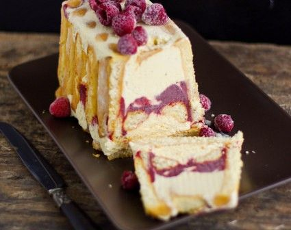 Charlotte glacée vanille et framboise – sans sorbetière