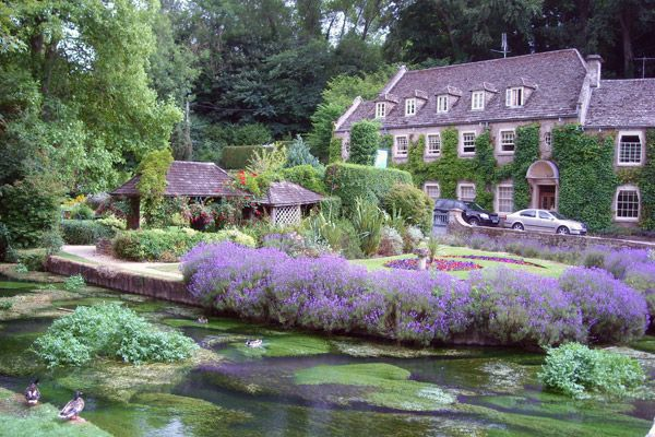 Ferret Legging and Rustic Pubs: Escaping the Cotswold Cliches | Rick Steves' Travel Blog