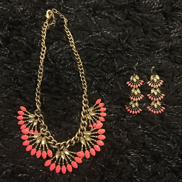 Stella and Dot necklace and earring set Coral Cay necklace and convertible earrings Stella & Dot Jewelry Necklaces