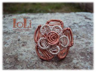 Flower ring with silver plated and copper wire - Δαχτυλίδι λουλούδι με επάργυρο και χάλκινο σύρμα - https://www.facebook.com/IoLiHandmadeCreations/