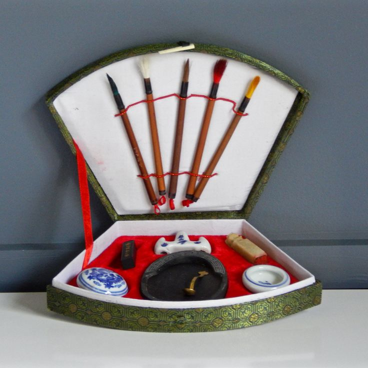 Vintage Chinese Calligraphy Set / Green Pattern Fabric Case / 5 brushes / Ceramic Ink Pots / Ceramic Brush Stand / Ink Stone / Spoon / Stamp by NashvilleKindofLife on Etsy $39.99