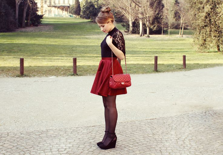 Mini bag Bordeaux. https://www.etsy.com/it/listing/209730994/borsa-pelle-borsa-trapuntata-borsetta-a?ref=shop_home_feat_4  Blog: http://www.veryberrybee.com/2015/02/red-riding-hood.html