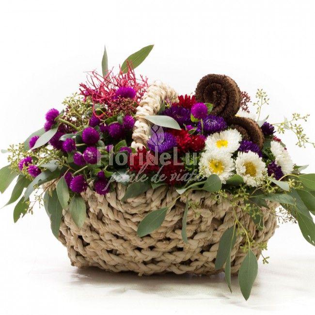 Cos delicat cu crizanteme si decoratiuni uscate de toamna! Codoul perfect pentru o aniversare!