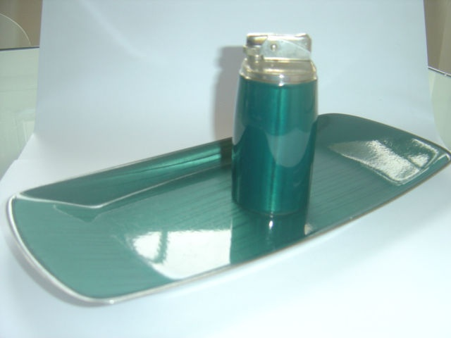 Plate and lighter