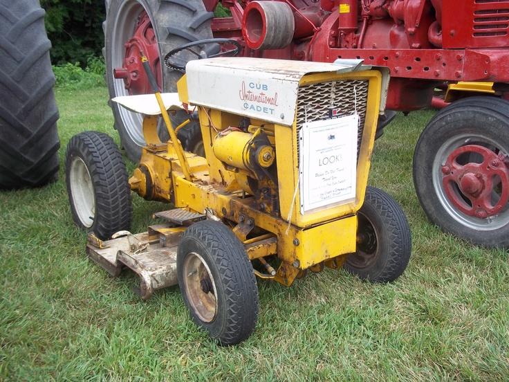 1960 International Tractor : S cub cadet lawn garden tractor ih farmall