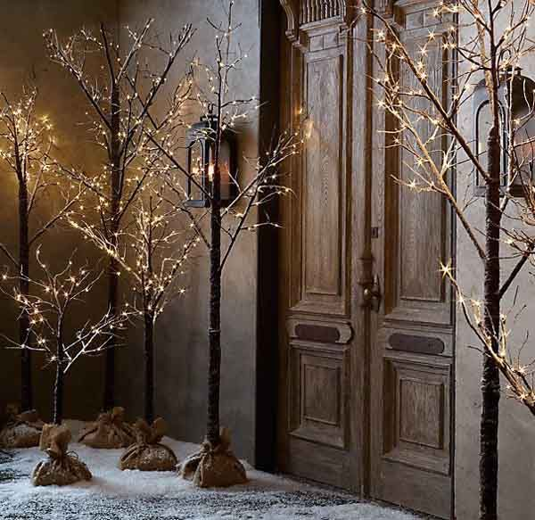 22 Incredibly Breathtaking Outdoor Christmas Decorating Ideas | Christmas Celebrations