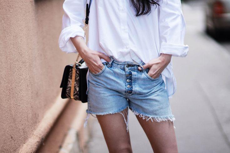 SUMMER UNIFORM | vintage levis denim shorts white shirt