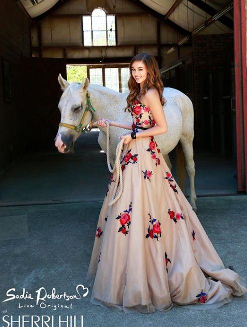 Love this dress by Sadie Robertson <3