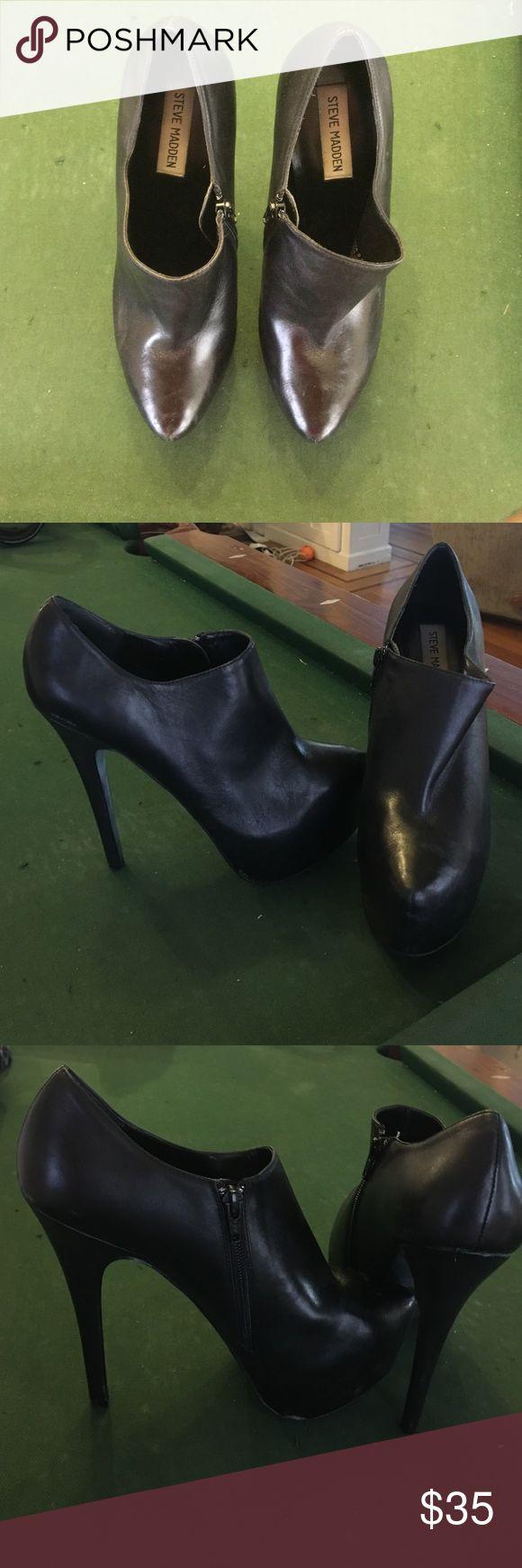Steve Madden Vipper Black Leather Heels 6in black leather low ankle heel/bootie. Steve Madden Shoes Heels